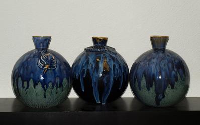 drie-blauwe-bolvazen